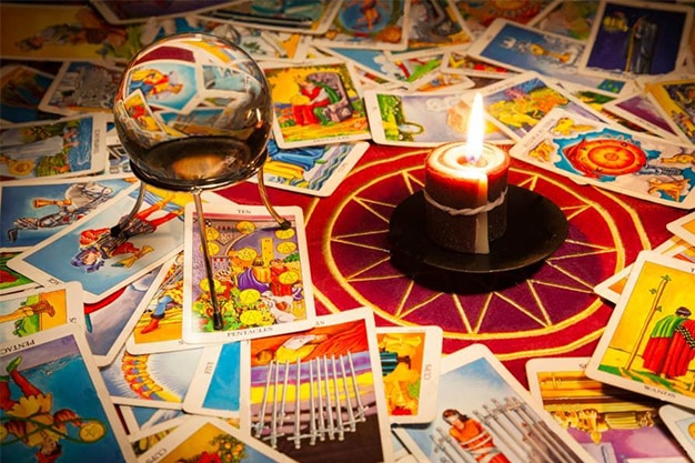 Tarot History – From Card Games to Popular Philosophy