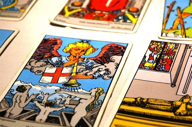 The Different Types of Tarot Decks