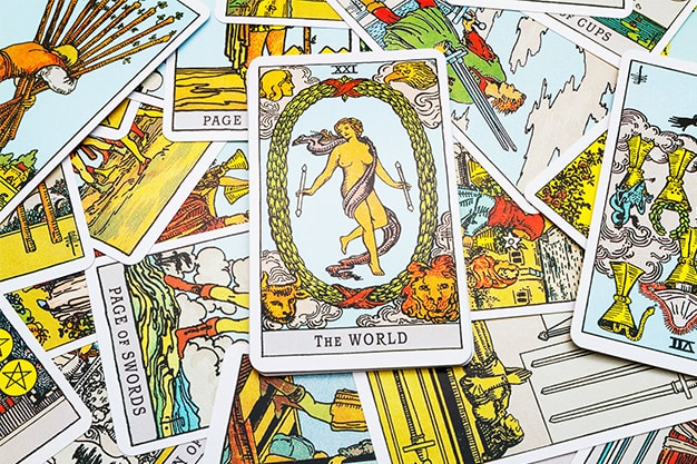 How To Use Your Psychic Abilities To Read Tarot