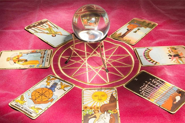 How to Use Tarot Cards For Spellwork
