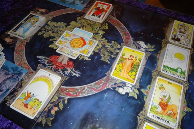 The Types of Tarot Decks