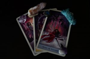 How To Use Tarot Cards (The Beginner's Guide)